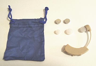 トップバリュ集音器の本体と付属品